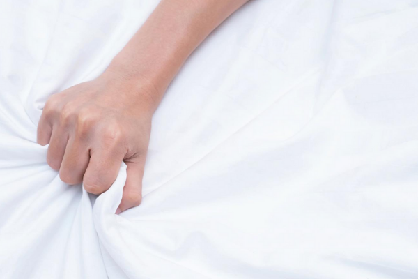 gripping sheets with pleasure